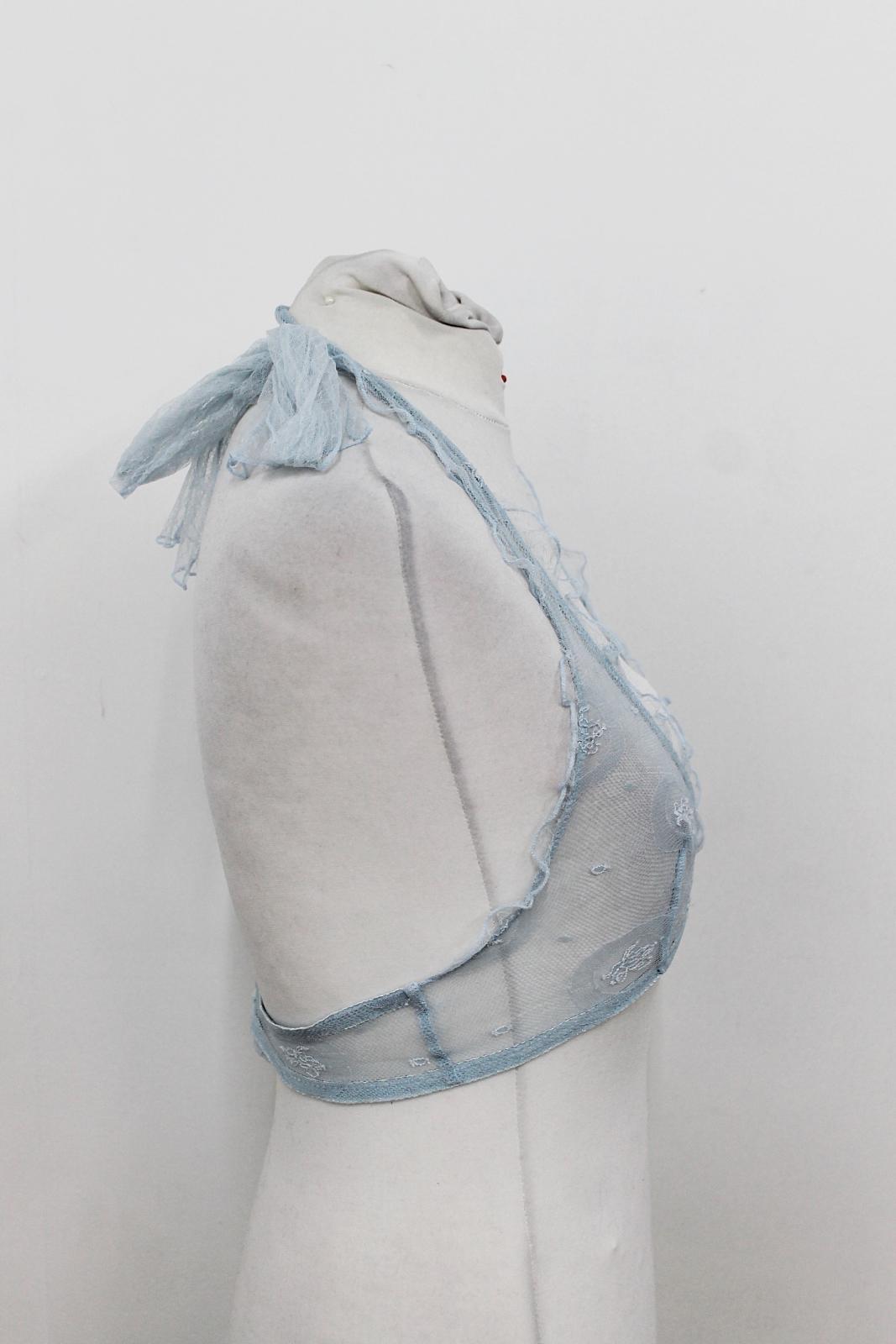 LA-PERLA-Ladies-Light-Blue-Lace-Halterneck-Unwired-Delicate-Bra-Size-UK34 thumbnail 3