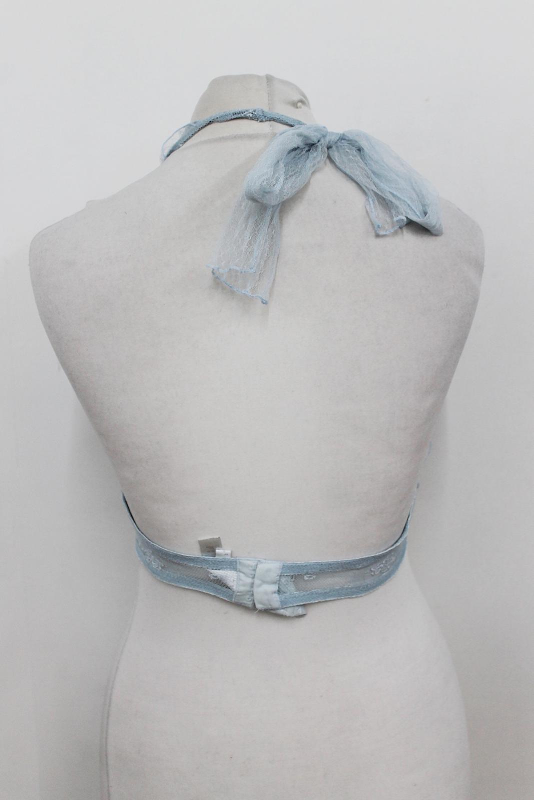 LA-PERLA-Ladies-Light-Blue-Lace-Halterneck-Unwired-Delicate-Bra-Size-UK34 thumbnail 4