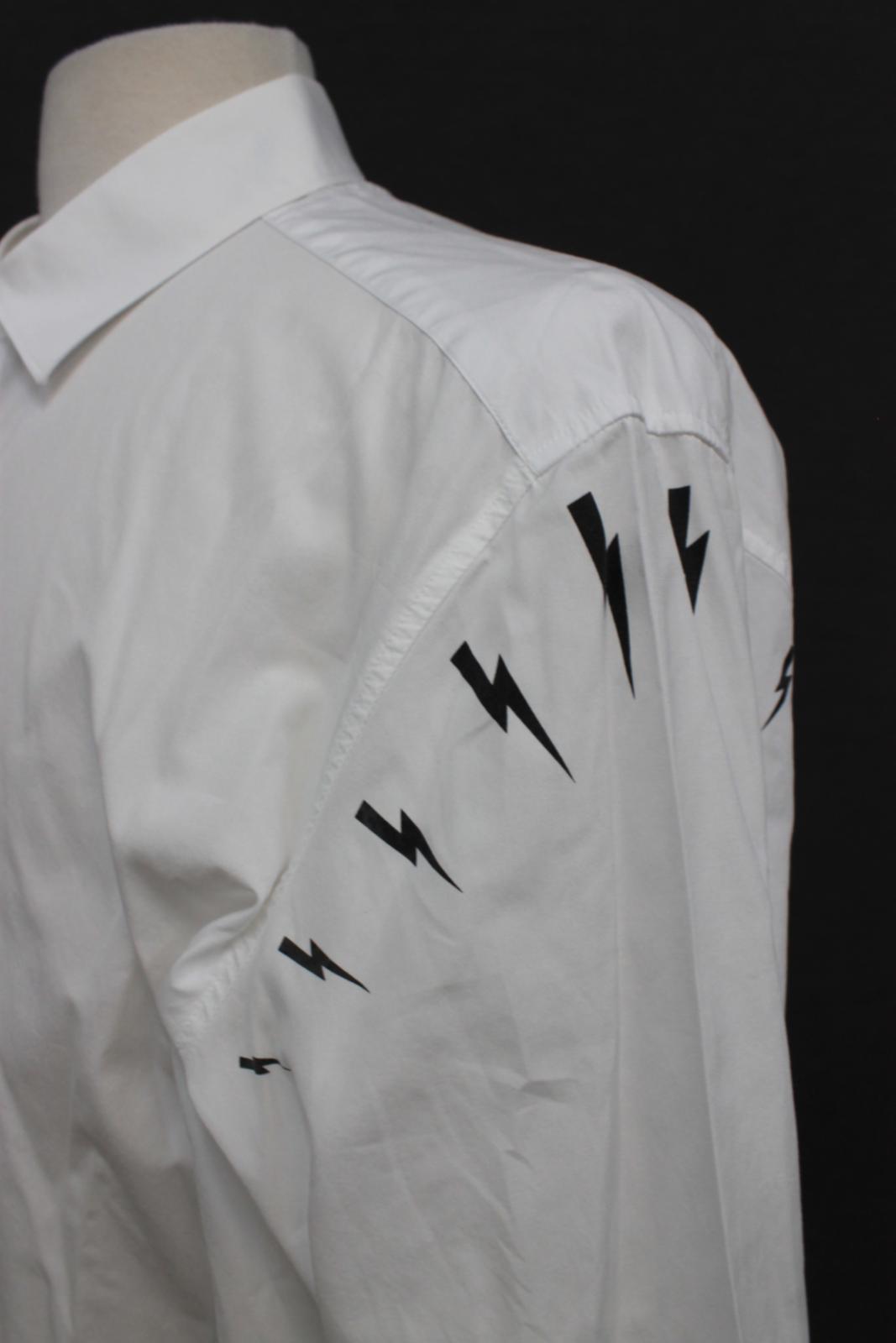 Neil-barrett-hombre-blanco-de-algodon-manga-de-Rayo-con-cuello-camisa-tamano-17-5-034 miniatura 7