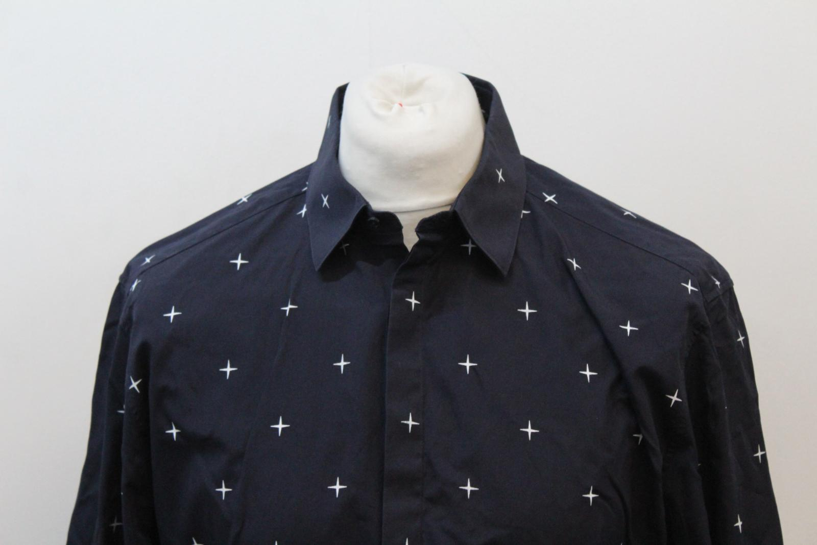 Neil-Barrett-Hombre-Azul-Marino-Blanco-Cuello-De-Camisa-formal-calce-Cruz-16-5-034-42cm miniatura 3