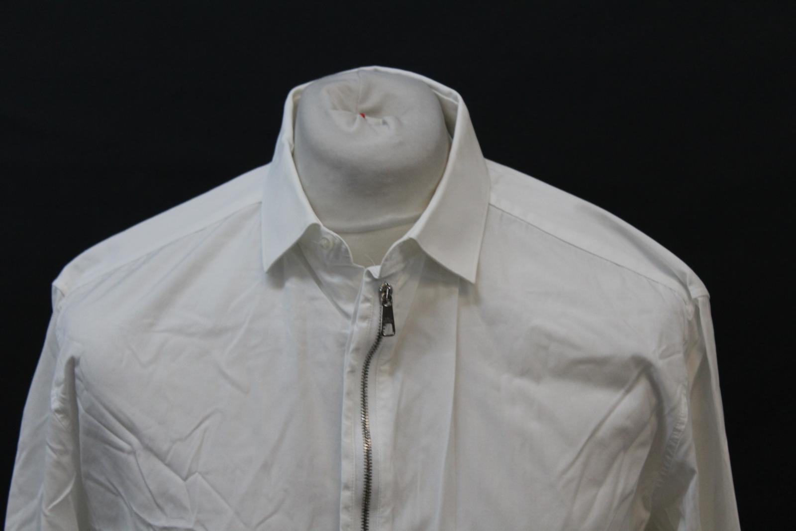 Neil-Barrett-para-hombre-calce-cenido-de-algodon-Blanco-Detalle-De-Cremallera-Botones-Camisa-Cuello miniatura 3