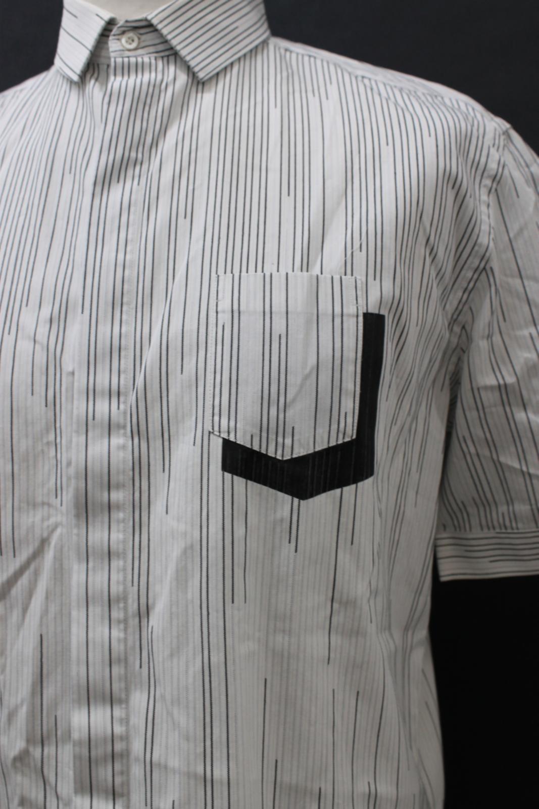 Neil-Barrett-Hombre-Blanco-Algodon-De-Rayas-Camisa-De-Manga-Corta-Estampado-de-bolsillo-16-5-034 miniatura 4
