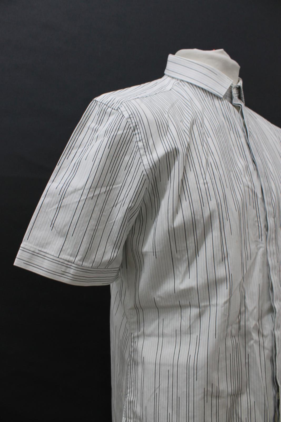 Neil-Barrett-Hombre-Blanco-Algodon-De-Rayas-Camisa-De-Manga-Corta-Estampado-de-bolsillo-16-5-034 miniatura 8