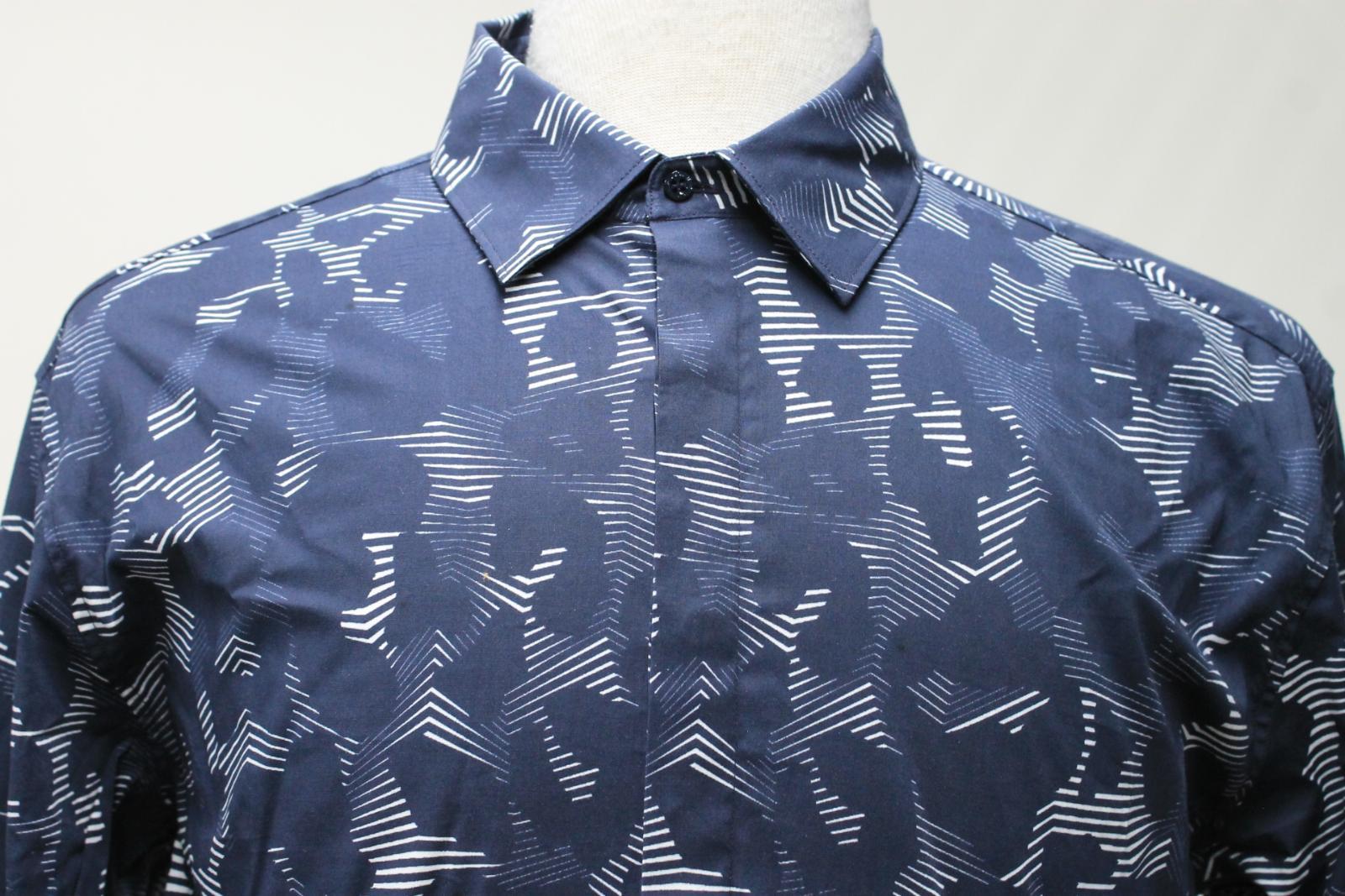 Neil-Barrett-Para-Hombre-Calce-Cenido-Estampado-Abstracto-Algodon-Azul-Con-Cuello-Camisa-16-5-034 miniatura 3
