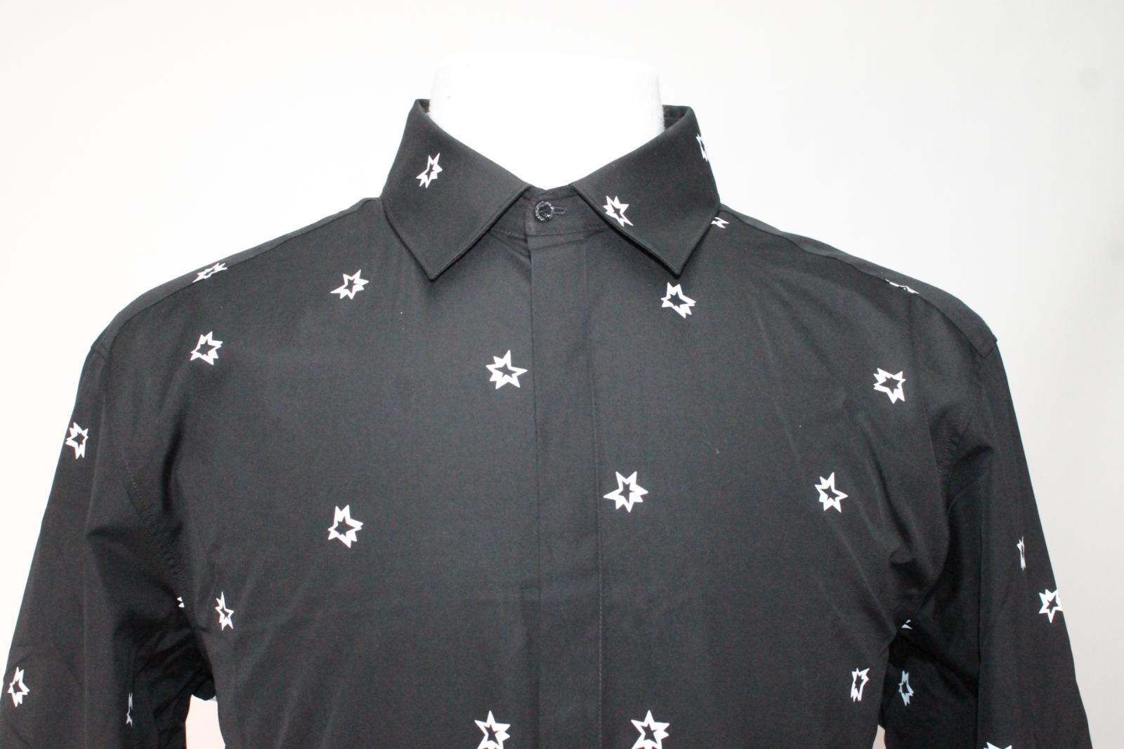 Neil-Barrett-Hombre-Negro-Algodon-Estampado-de-Estrellas-Calce-Ajustado-Camisa-Con-Cuello-16-5-034 miniatura 3