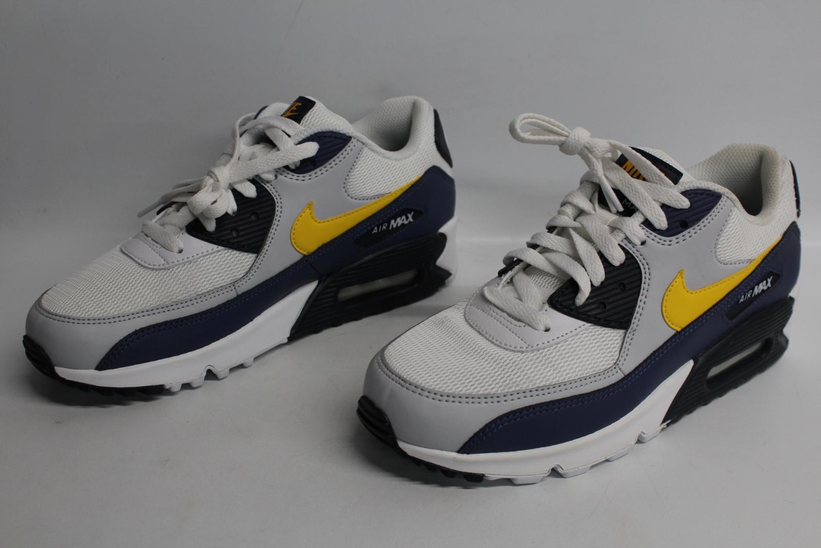 Nike-Men-039-S-Navy-Blu-Giallo-amp-Bianco-AIR-MAX-90-Essential-Scarpe-da-ginnastica-EU41-UK7-NUOVO miniatura 5
