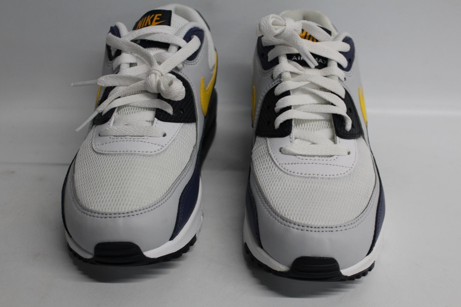Nike-Men-039-S-Navy-Blu-Giallo-amp-Bianco-AIR-MAX-90-Essential-Scarpe-da-ginnastica-EU41-UK7-NUOVO miniatura 6