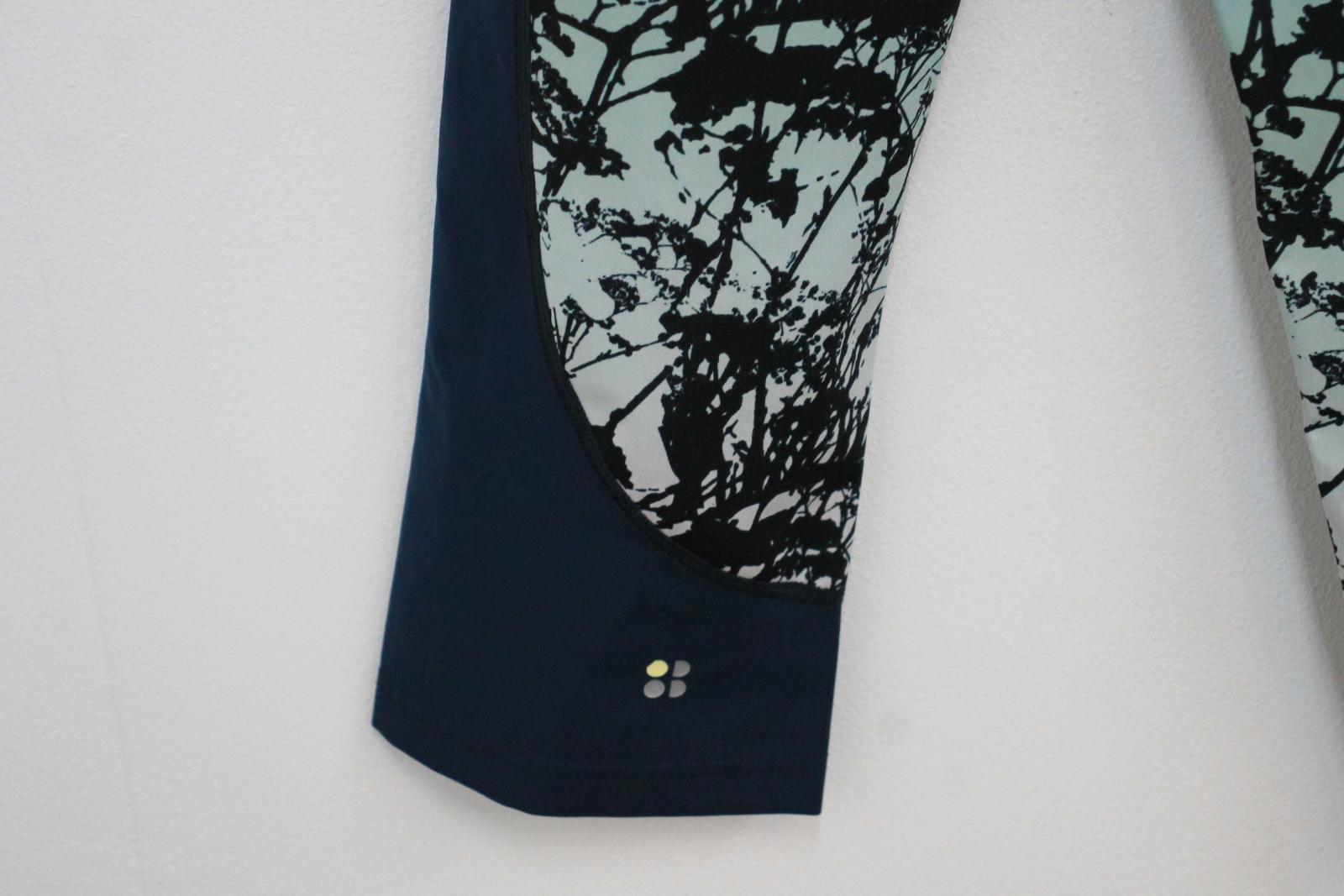 Sweaty-Betty-Damas-Azul-Oscuro-Impreso-Negro-Recortada-Leggings-Talla-S-W26-L18 miniatura 4