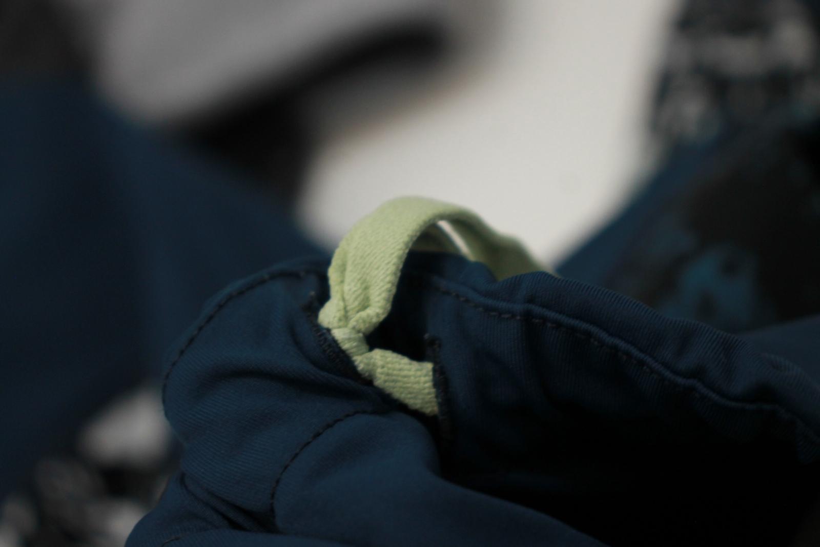 Sweaty-Betty-Damas-Azul-Oscuro-Impreso-Negro-Recortada-Leggings-Talla-S-W26-L18 miniatura 9
