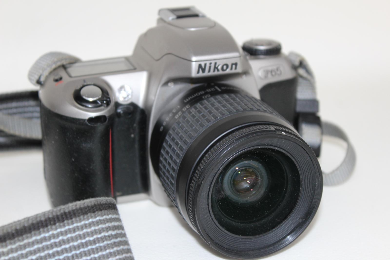 NIKON-F65-Camara-Con-Nikkor-28-80mm-y-70-300mm-y-Tamron-Hoya-Lentes-52mm miniatura 7