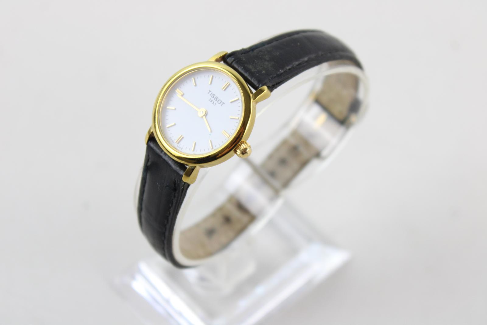 Mesdames-TISSOT-1853-ton-or-Montre-bracelet-Quartz-travaillant-avec-bracelet-en-cuir-noir miniature 4